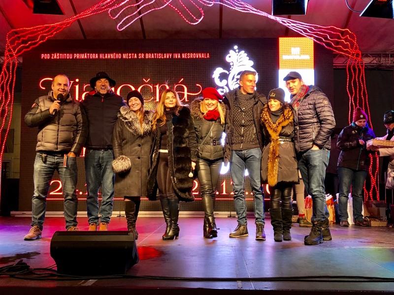 Podpora projektu Hniezda zachrany na Vianocnych trhoch. 5.decembra.2017. Bratislava.