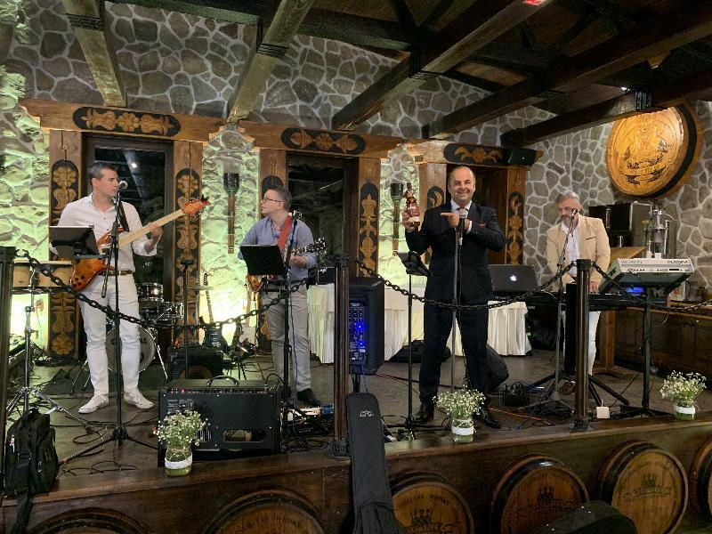 VIP zona Nestville park . Krst 10 rocnej slovenskej Nestville Whisky  Master Blender 2019. 29.jun 2019 Hniezdne